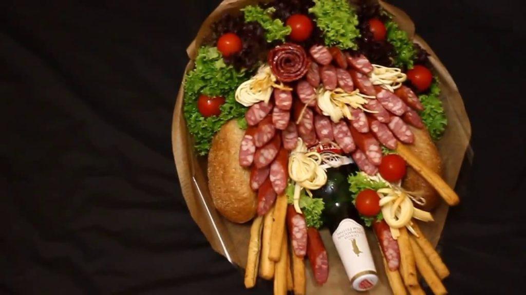 Чоловічий букет з пивом і ковбасками