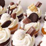 Капкейки з шоколадом і цукерками