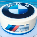 Фото торт з логотипом БМВ