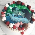 Торт для закоханих з їхньою фотографією