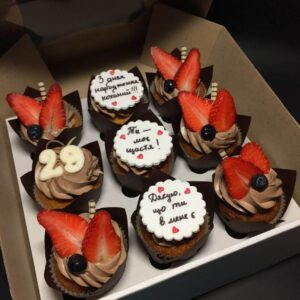 Капкейки з днем народження для коханого