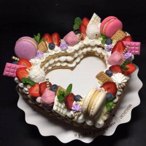 Торт у формі серця