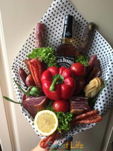 Чоловічий букет з віскі Jack Daniels