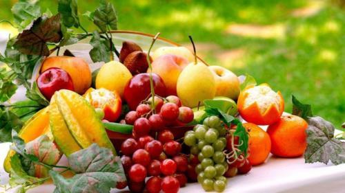 Корзина з фруктами для букету