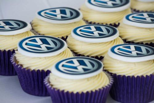 Корпоративні капкейки з логотипом
