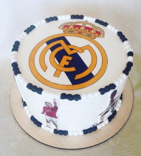 Фото торт з логотипом Реал Мадрида