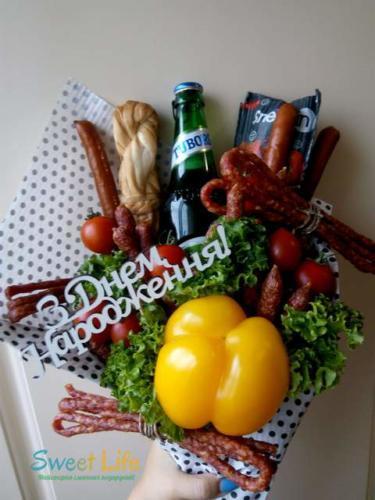 Букет на день народження з пивом і закускою